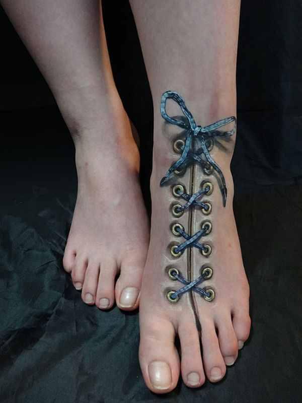 3D tattoo design on foot