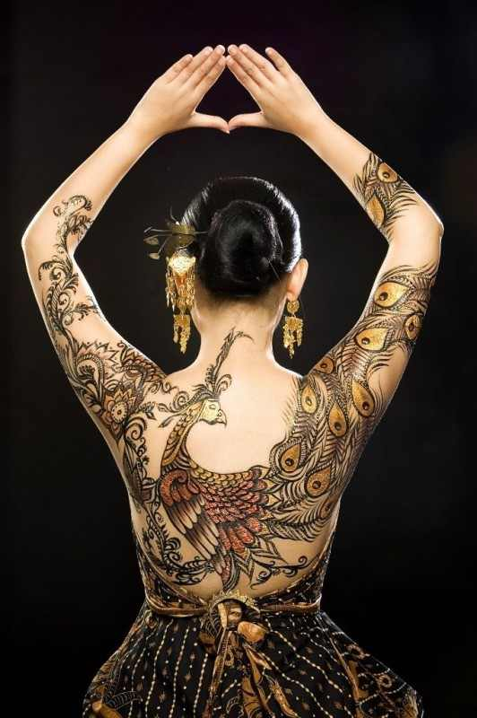 Henna peacock tattoo design design of tattoosdesign of for Peacock back tattoo