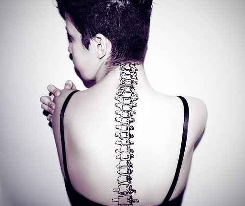 Realistic spine tattoo design of tattoosdesign of tattoos - Tatouage colonne vertebrale ...