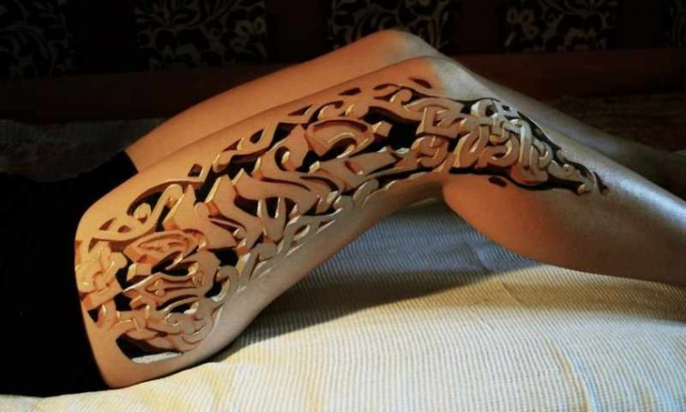stunning 3D tattoo design on leg