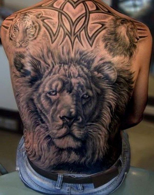 Тату лев на спине мужские