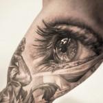 Niki Norberg realistic eye tattoo
