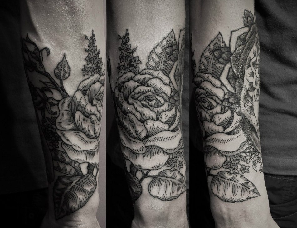 half sleeve rose tattoo by ien levin design of tattoosdesign of tattoos. Black Bedroom Furniture Sets. Home Design Ideas