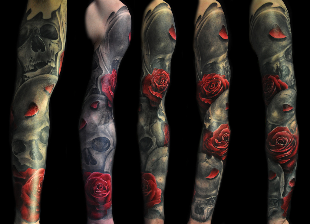 Black and red full sleeve rose tattoo design of - Tatouage cavalera ...