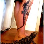 lizard tattoo design on leg