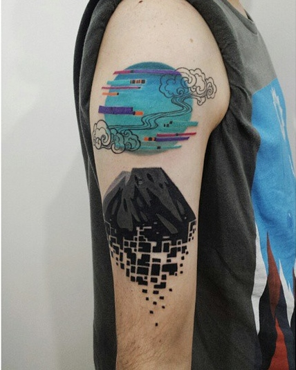 Aline Wata abstract geometric tattoo