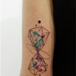 Aline Wata hourglass tattoo design