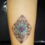 Aline Wata line tattoo design