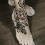 Diana Severinenko rose tattoo design on fot
