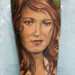 Darwin Enriquez woman portrait tattoo