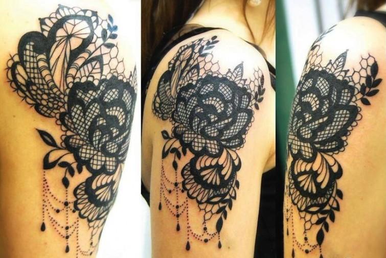 Anaïs Allnt baroque style tattoo design