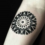 Kamil Czapiga beautiful detailed black tattoo
