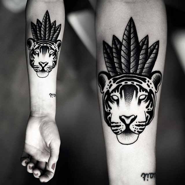 Kamil Czapiga black lion tattoo