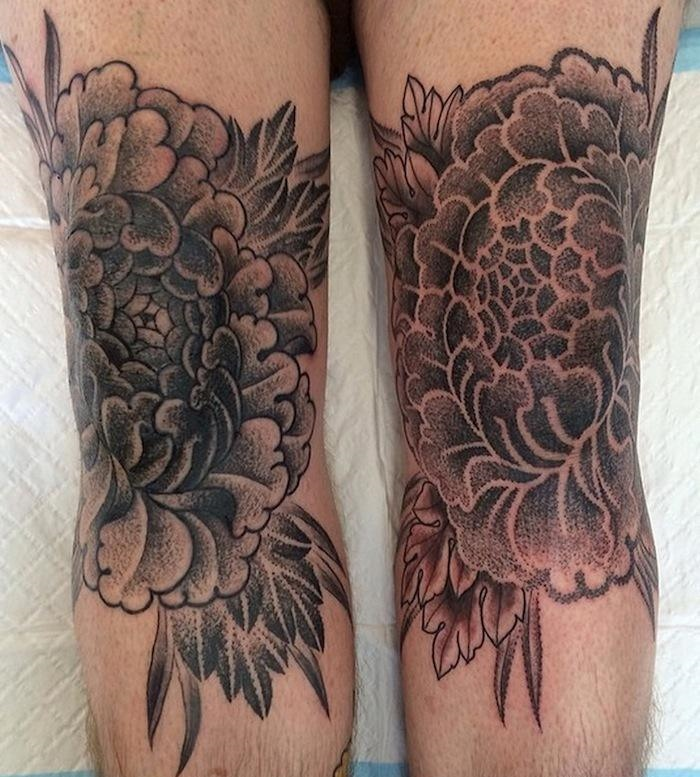 Alvaro Flores small flower tattoo design