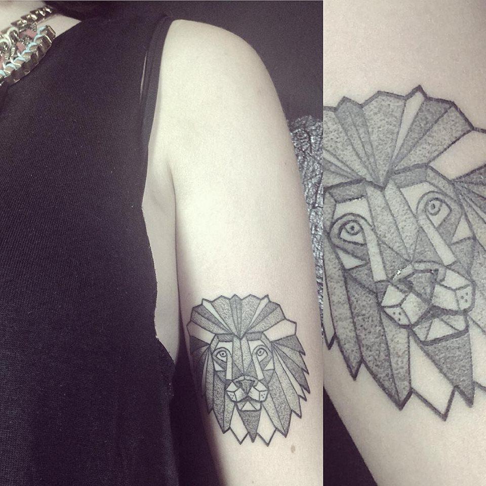 Ana Work origami lion tattoo design