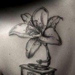 Ilya Brezinski feminine tattoo design