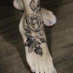 Diana Severinenko rose tattoo design on fot